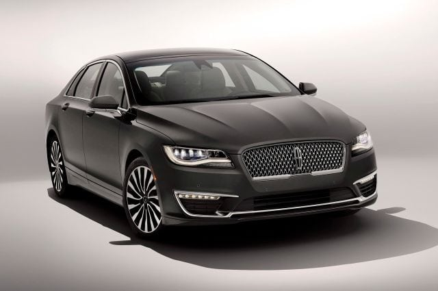2017-lincoln-mkz-front-three-quarters-02.jpg